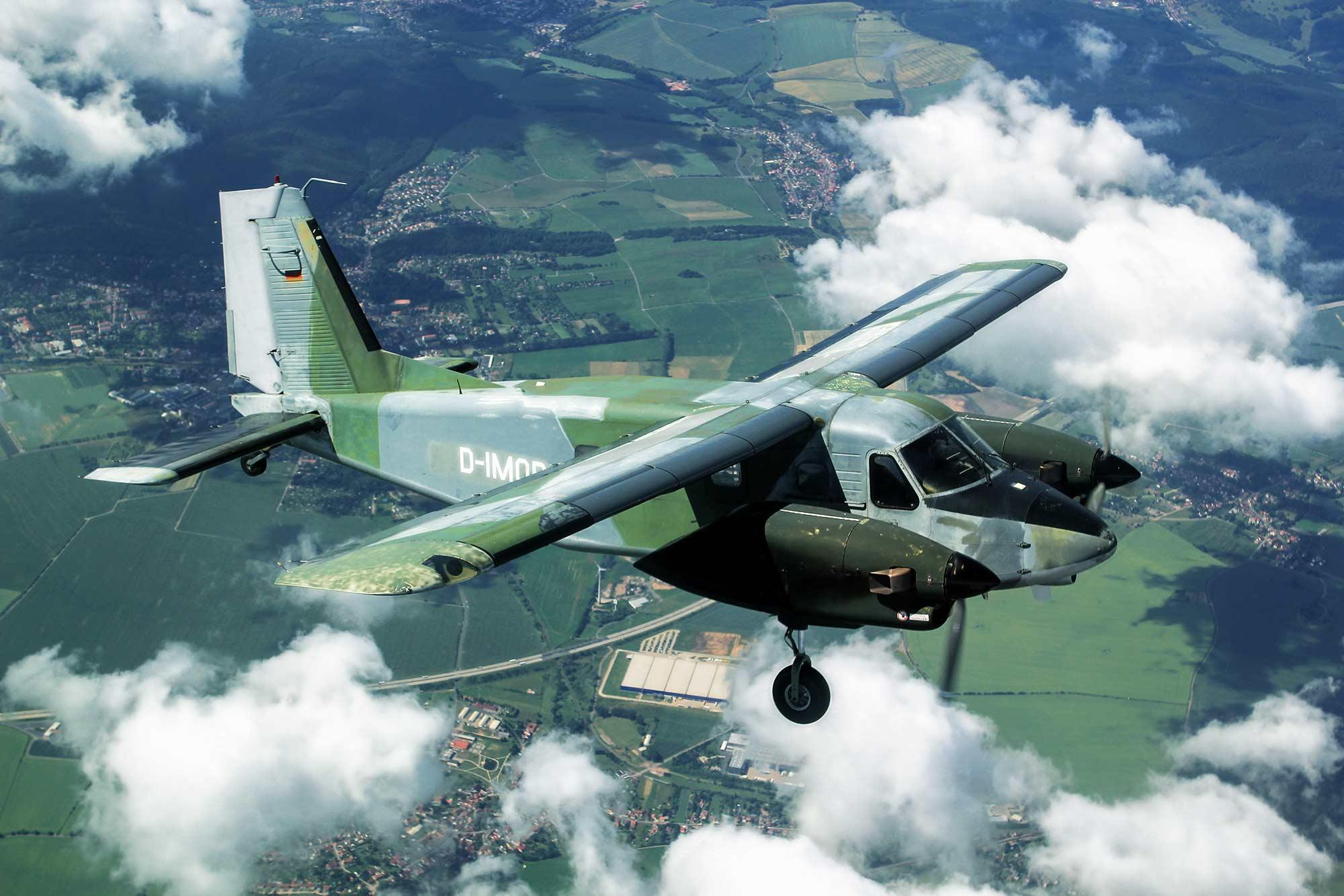 Absetzflugzeug DO28